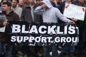 Electricians protest at Blackfriars Station