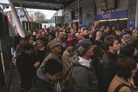 Finsbury Park train delay crowd