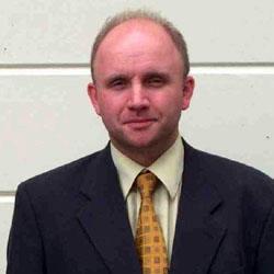 Richard Quincey, IES diretcor