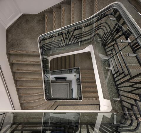 Common stair mvon0798 s
