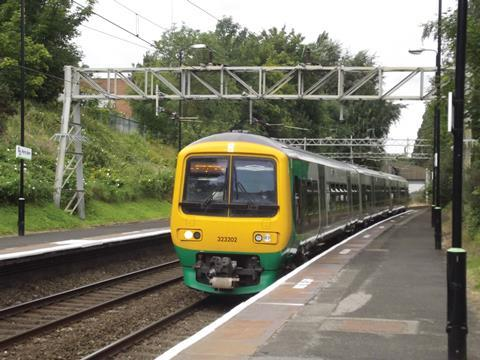 Perry_Barr_Station-credit-Elliott-Brown-London_Midland_323202_(7851044528)