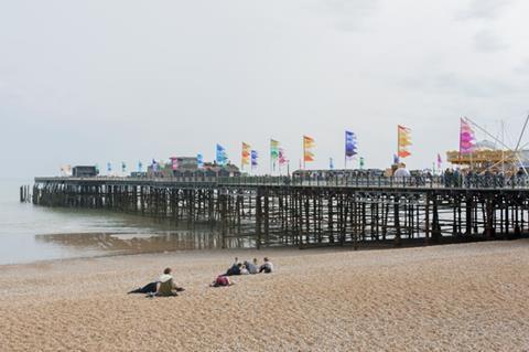 Hastings Pier by dRMM
