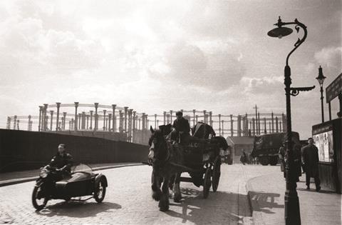 Kings cross gasholders 1935